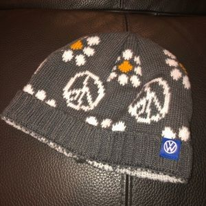 Volkswagen knitted gray beanie peace daisy
